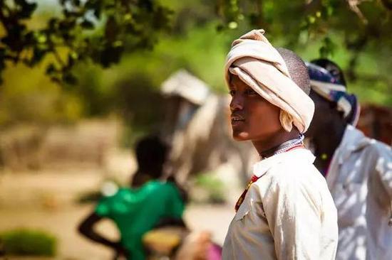 非洲传统野性 最后的原始部落文化习俗--Erbore最友善干净的部落