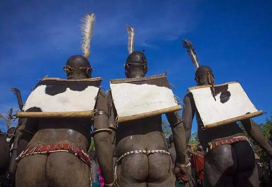 非洲传统野性 最后的原始部落文化习俗--Bodi以胖为美的博迪族