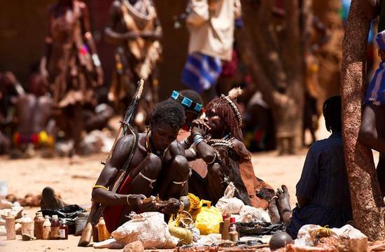 非洲传统野性 最后的原始部落文化习俗--Hamer 哈莫尔族部落是一夫多妻制
