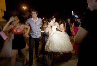 世界上最有趣的婚礼习俗--罗马尼亚婚前绑架