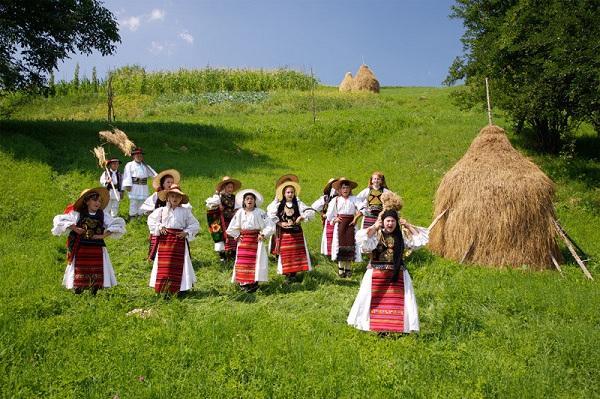 罗马尼亚风土人情--民俗风情