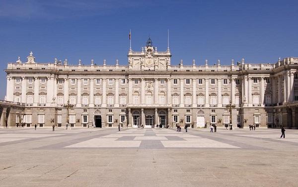 西班牙马德里旅游景区景点--马德里王宫