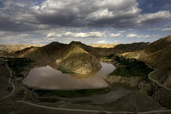 《黄河捞尸人》不为人知的规矩--黄河的一节航拍照