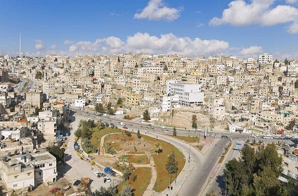 """约旦风俗禁忌--约旦哈希姆王国(阿拉伯语:??????? ?????????? ?????????,英语:The Hashemite Kingdom of Jordan),简称约旦,有着""""沙漠中的博物馆""""、""""智力出口的国家""""之称。"""