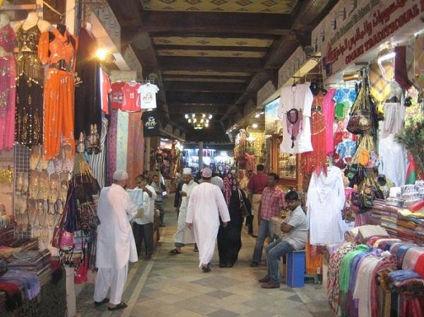 阿曼苏丹国的风俗礼仪--马斯喀特有名的手工艺品市场Mutrah Souq