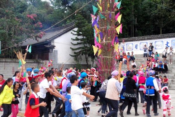 白族传统节日大全--白族火把节